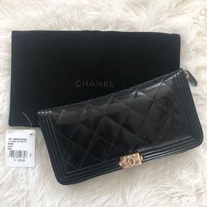 Chanel Gusset Zip Wallet